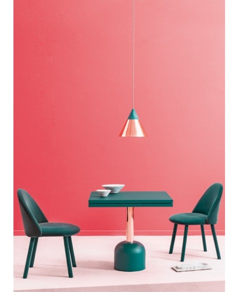 illo plus dining table