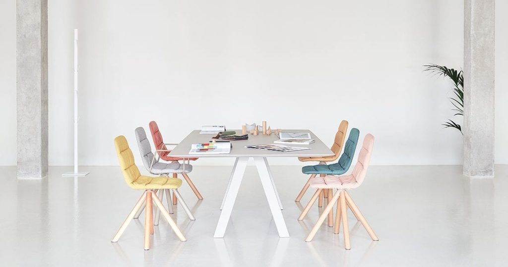 trestle table viccarbe