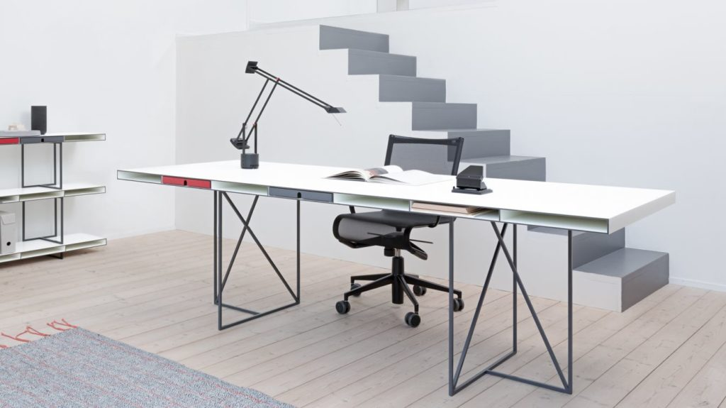 wogg desk grande