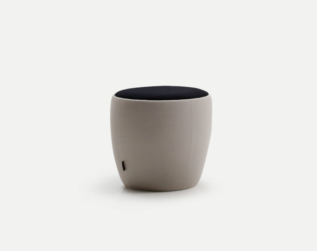 sancal chat pouf 1