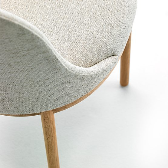 viccarbe aleta chair