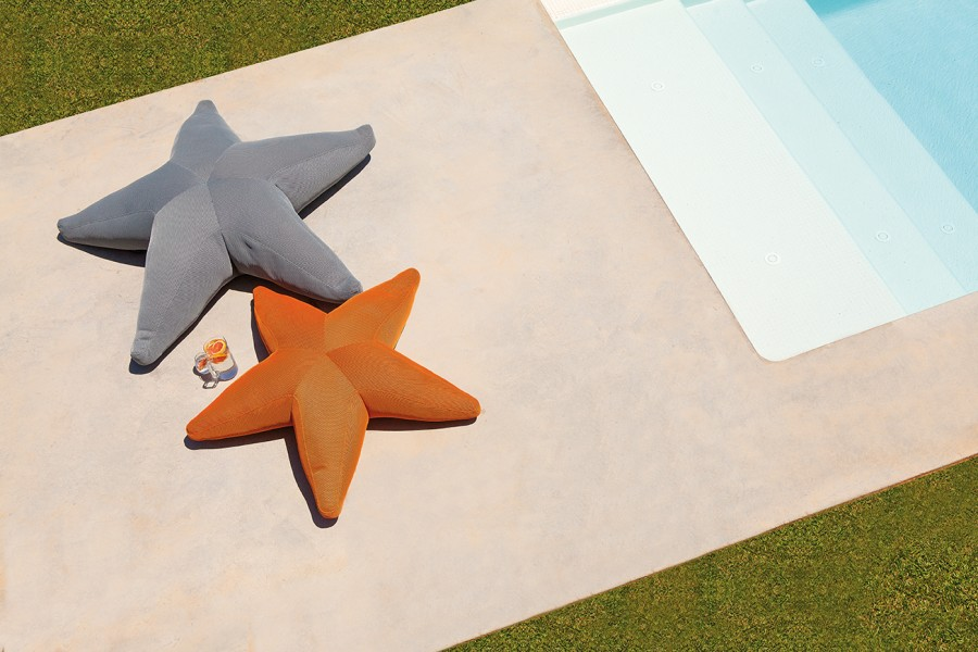 ogo starfish outdoor pouf